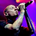 เผยสาเหตุ เชสเตอร์ เบนนิงตัน นักร้องนำ Linkin Park ฆ่าตัวตายในวัย 41 ปี