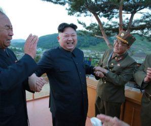 โสมแดงโวพร้อมลุย! หลัง 'ผู้นำคิม' รับฟังบรรยายสรุปแผนยิง 'กวม' อ้างให้เวลาดูท่าทีมะกัน